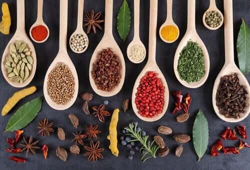 Krydderiallergier: Sådan ved du, om du er allergisk